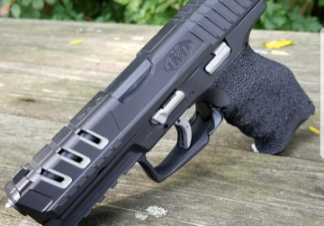 Custom VP9 Handgun 02